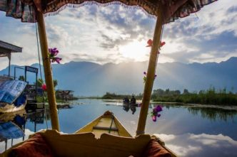 Kashmir Valley: Dal Lake en Srinagar, la capital de verano de Cachemira